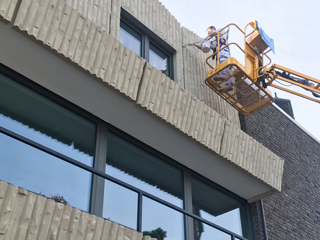 Farbwelt Feith | Reinigen und streichen einer Fassade