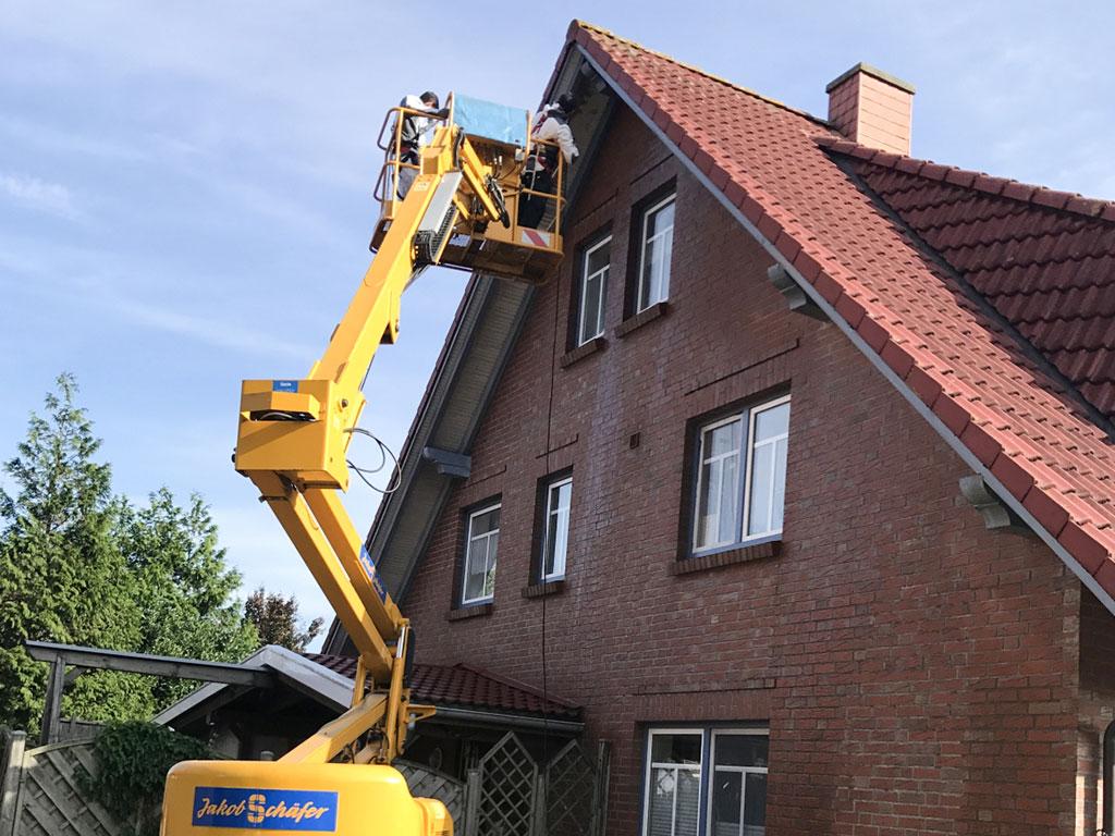 Farbwelt Feith | Reinigung von Dachprofilen