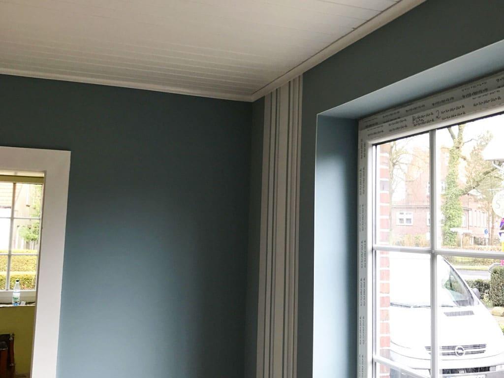 Farbwelt Feith | Tapete abgesetzt mit Streifen-Elementen